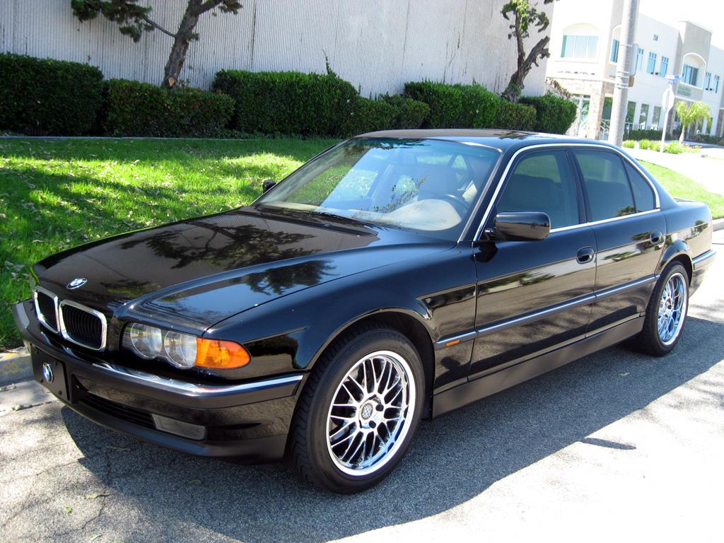 1999 BMW 740i Sedan