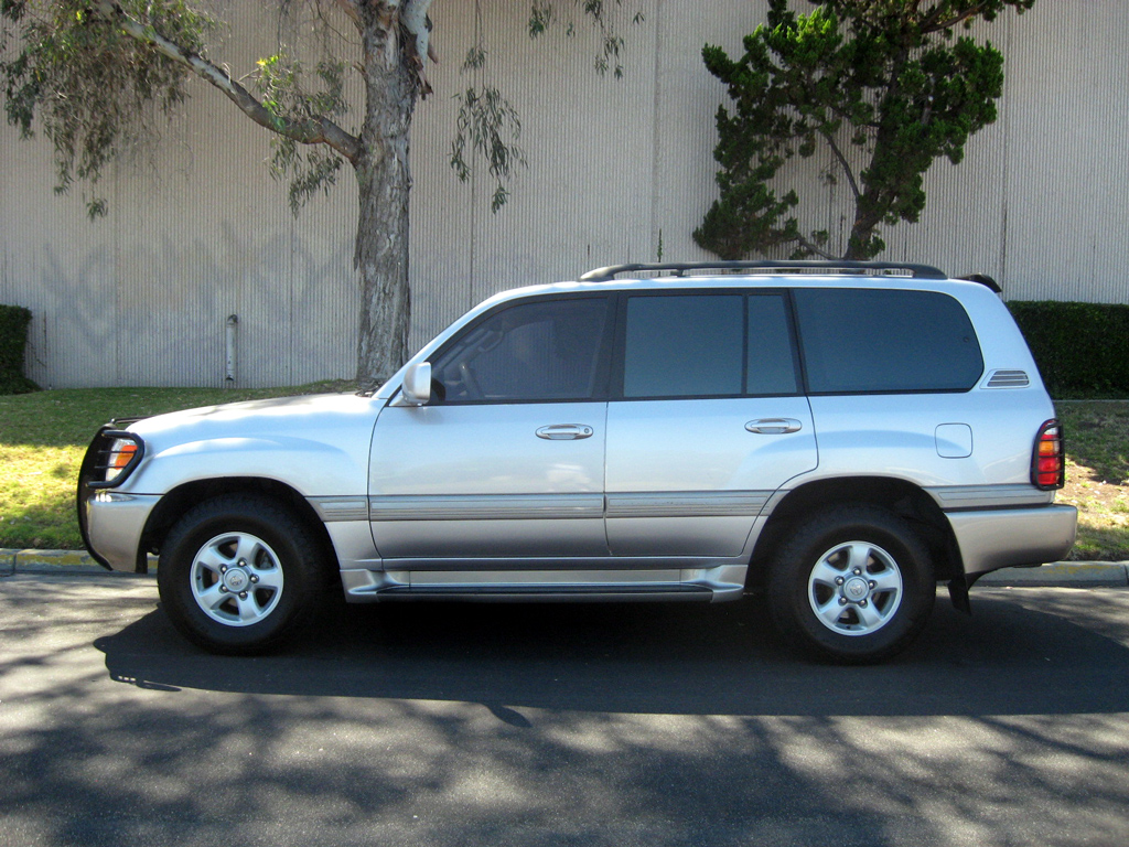 2001 Toyota Land Cruiser SOLD