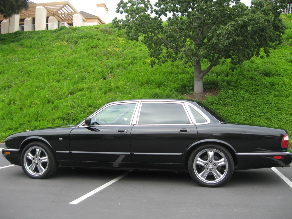 2003 Jaguar Xj Sedan 2003 Jaguar Xj 12 900 00 Auto