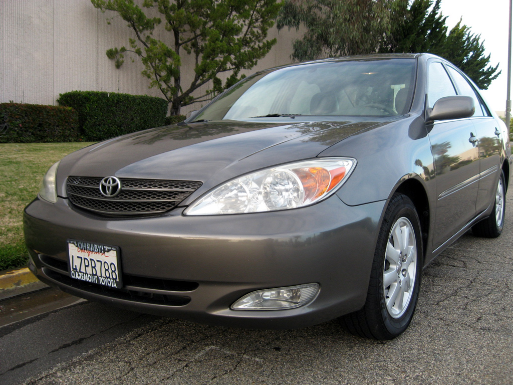 2003 Toyota Camry XLE - SOLD