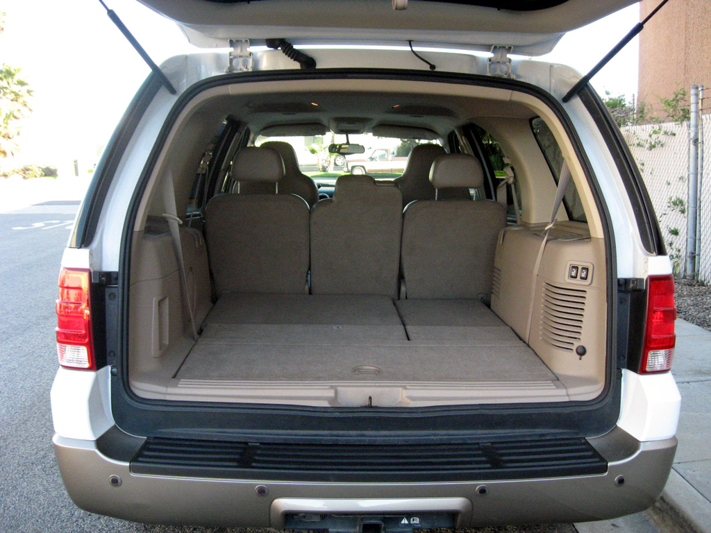 2004 ford expedition v8 triton tow autos post. Black Bedroom Furniture Sets. Home Design Ideas