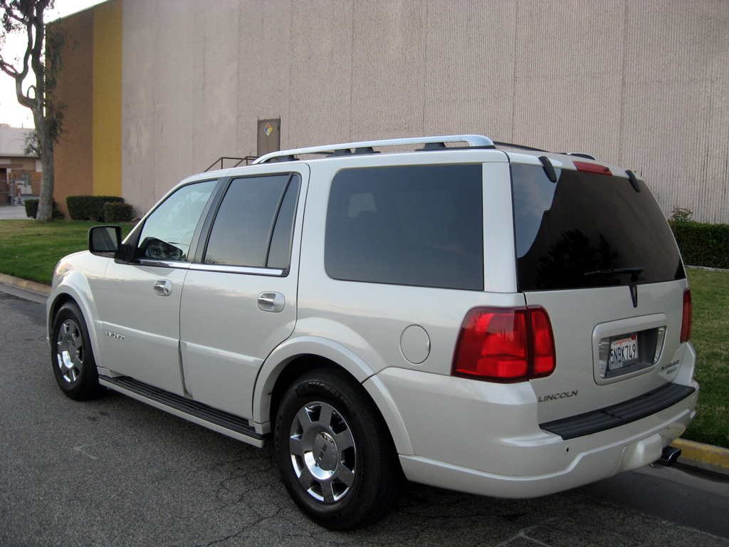 2005 Lincoln Navigator Limited - SOLD