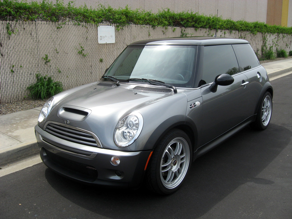 2005 mini cooper sold 2005 mini cooper s jcw 13 900. Black Bedroom Furniture Sets. Home Design Ideas