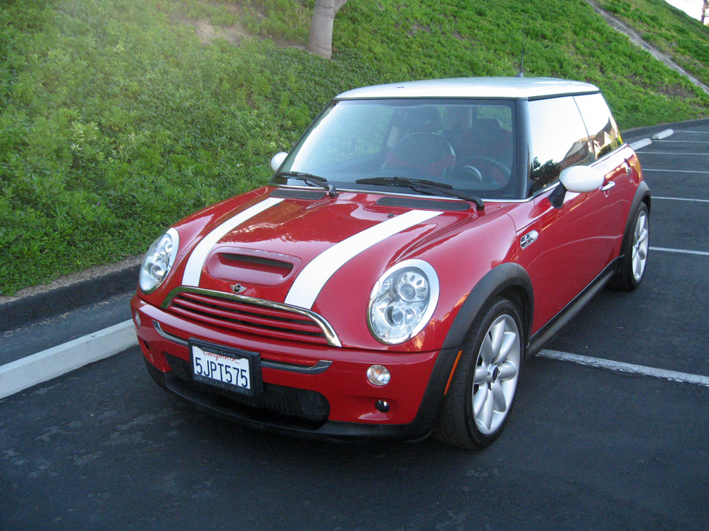 2005 mini cooper s sold 2005 mini cooper s 8 auto consignment san diego private. Black Bedroom Furniture Sets. Home Design Ideas