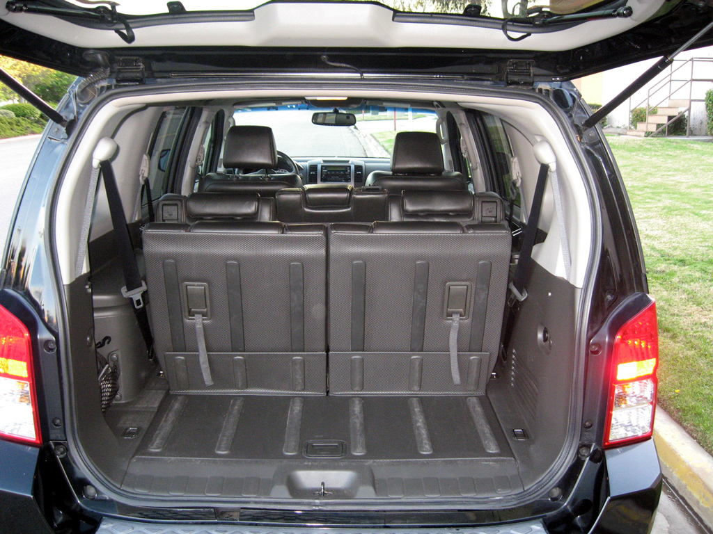2007 Nissan Pathfinder SE - SOLD