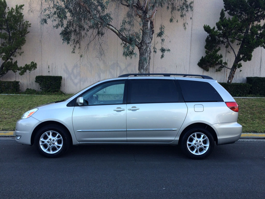 2004 toyota sienna xle 2004 toyota sienna xle limited 6 auto consignment san diego. Black Bedroom Furniture Sets. Home Design Ideas